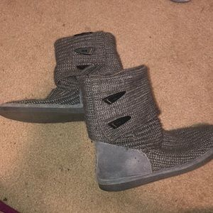 Bearpaw grey sweater boots